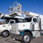 Signs-Unlimited-Sign-Installation-Truck