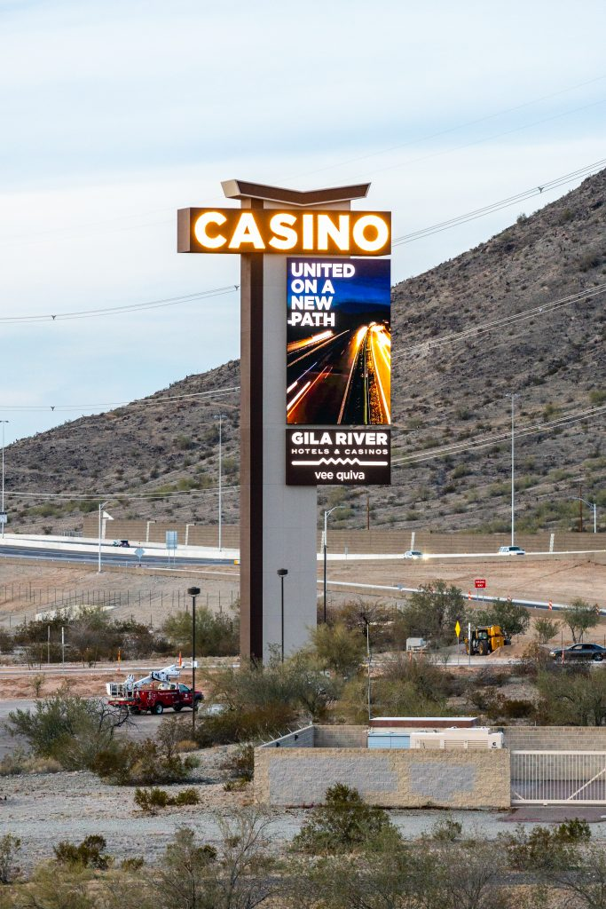 digital LED sign on the tallest pylon in Arizona for Vee Quiva Casino