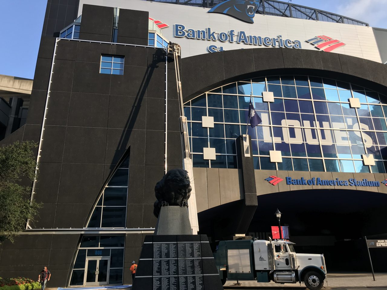 Installation of Frameless Frame banners at the Bank of America Stadium in Charlotte, NC