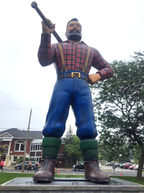 25' statue of Paul Bunyan from MRI's 3D division for IT: Chapter 2