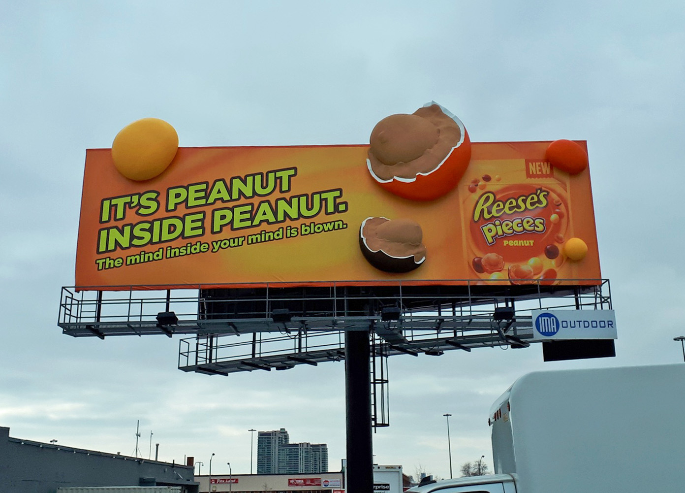 Reese's Pieces 3D extensions for print billboard in Toronto, ON